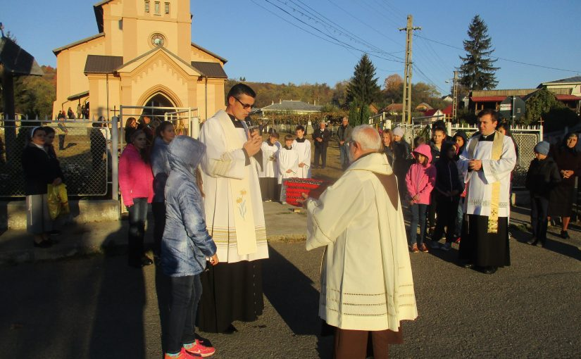 """Vizita Relicvei însemnate a Fericitului Ieremia  în Parohia """"Sfântul Mihail"""", Valea Mare"""