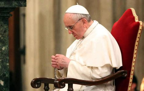 Papa Francisc propune două rugăciuni la Fecioara Maria pentru luna mai